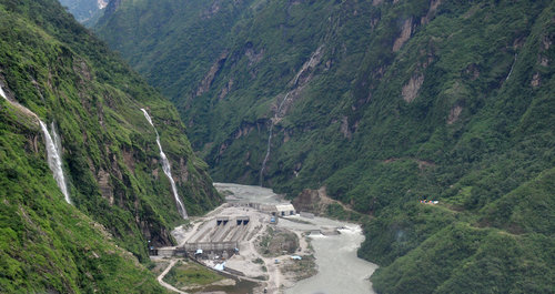 2017_08_25_site_visit_with_helicopter_dam_panorama